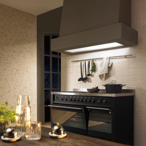 黑色酷炫现代简约风格厨房装修效果图