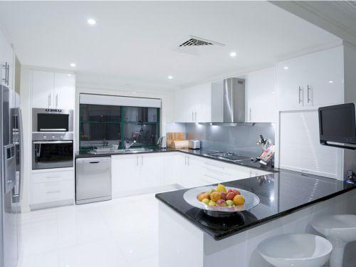 现代简约二居室厨房背景墙装修效果图
