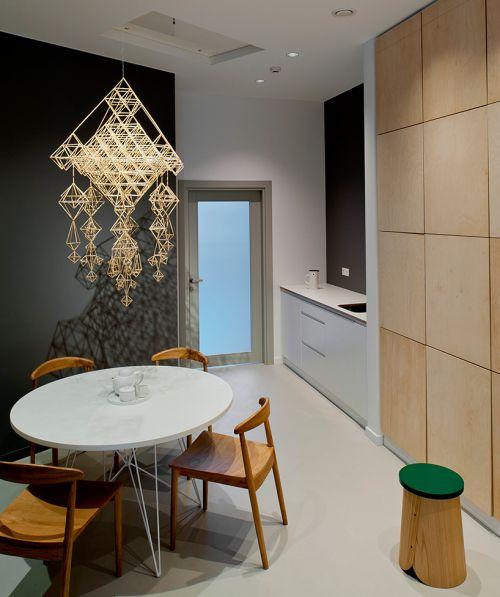 现代风黑色背景墙厨房装修效果图