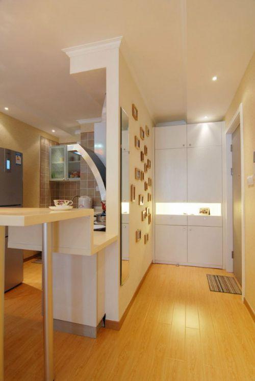 现代简约二居室厨房餐桌装修效果图大全