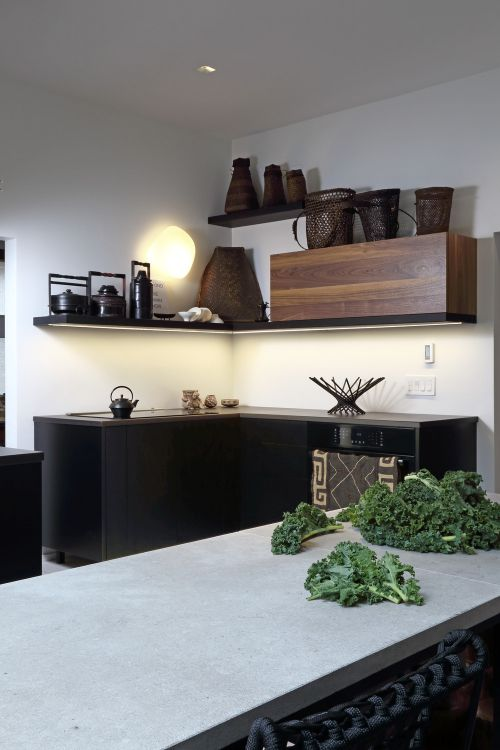 现代简约黑色简易厨房空间装修效果图
