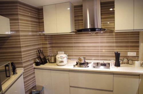 现代简约三居室厨房装修图片欣赏