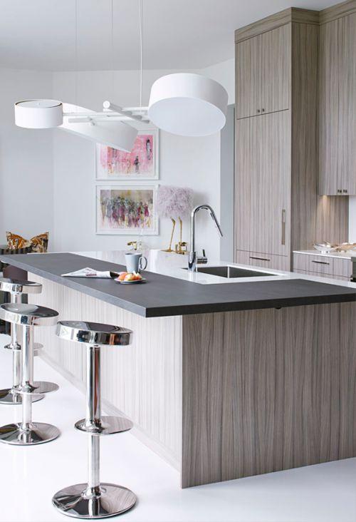 现代风格温馨精致厨房吧台装修效果图