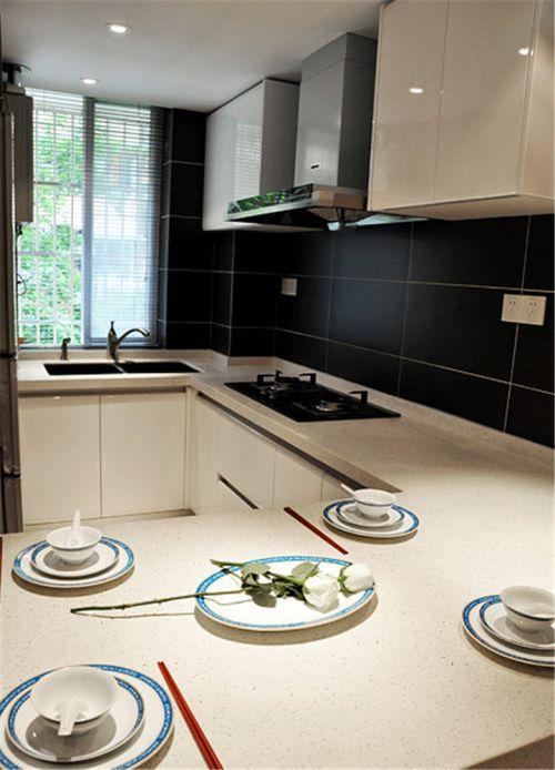 现代简约二居室厨房橱柜装修效果图大全