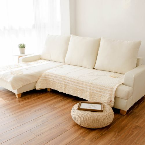 干净纯粹日式风格客厅布艺沙发图片欣赏