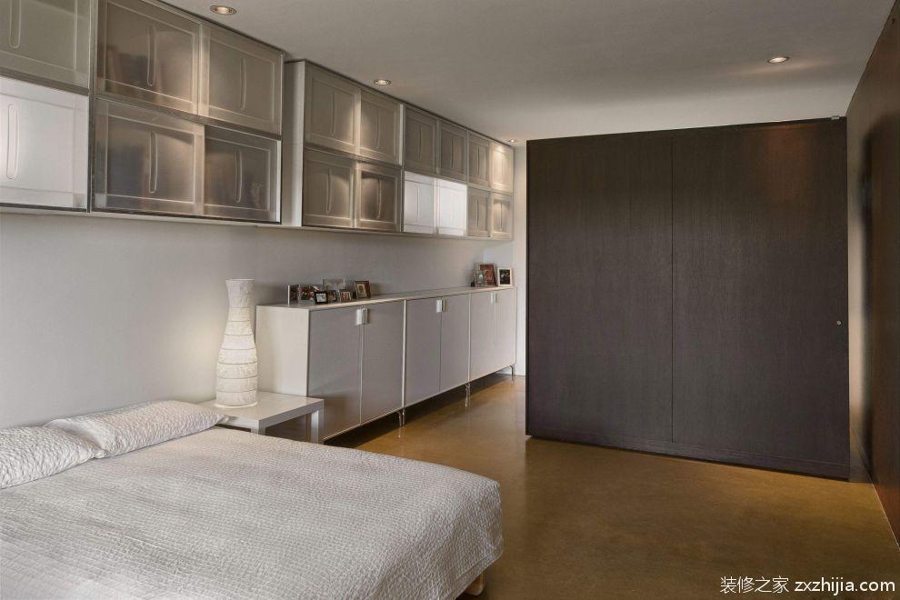 现代风格卧室咖啡色衣柜装修设计图图片