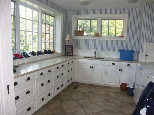 白色U型简欧风整体厨房装修效果图