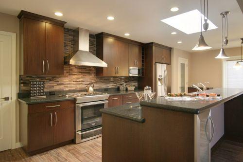 中式风格厨房木质储物柜实景图