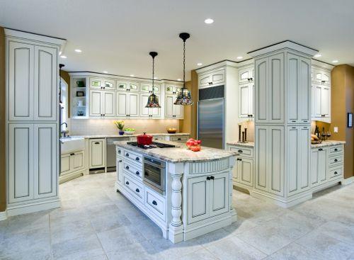 欧式风格白色弧形厨房装修效果图