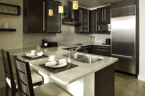 欧式风格咖啡色精致厨房装修效果图