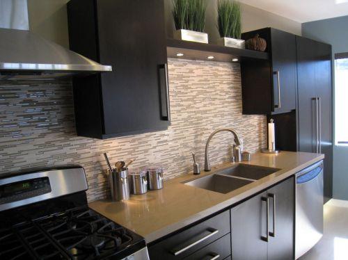 欧式风格三居室咖啡色厨房装修效果图