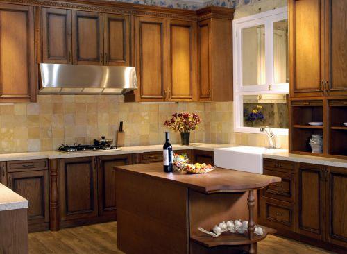 三居室欧式风格厨房原木色吧台装修效果图