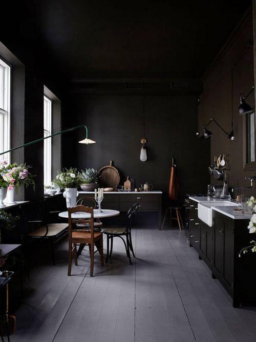 复古典雅黑色系欧式风格厨房效果图