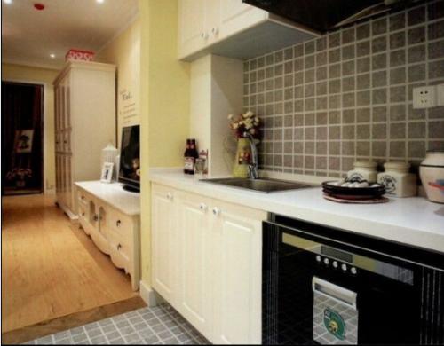 欧式田园二居室厨房装修效果图欣赏