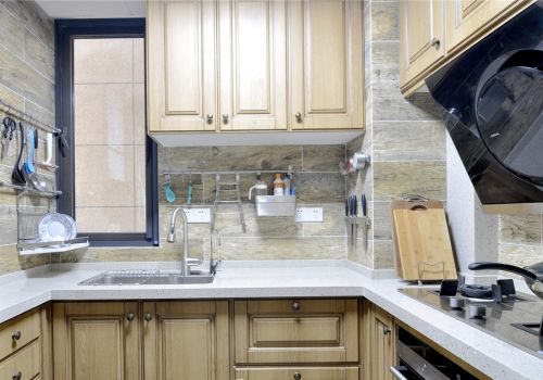 欧式风格小户型U型厨房装修实景图欣赏