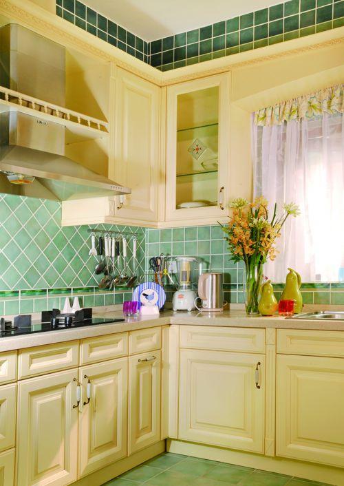 田园风格四居室厨房装修图片欣赏