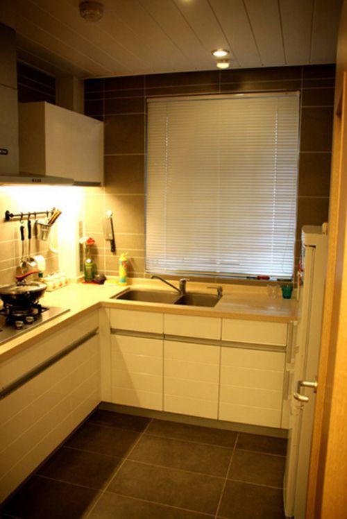 田园风格二居室厨房灶台装修效果图欣赏