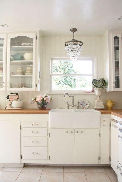 小面积田园风格厨房整体厨柜效果图欣赏
