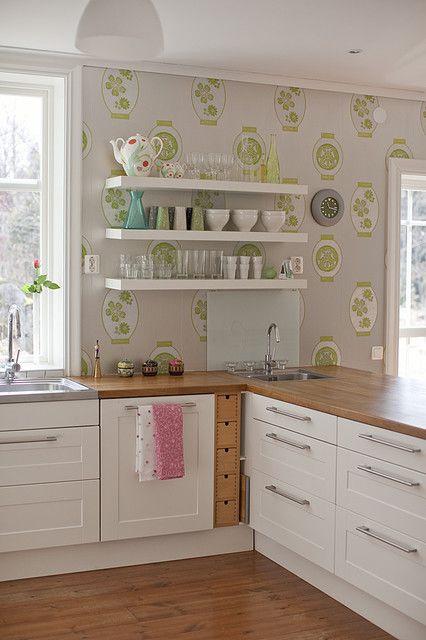 田园风格小型公寓厨房橱柜装修效果图
