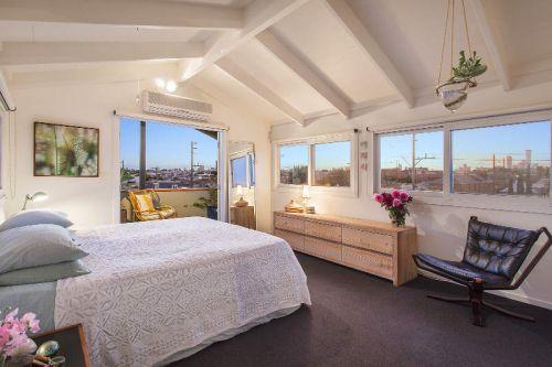 温柔优雅现代风格卧室装修图片欣赏