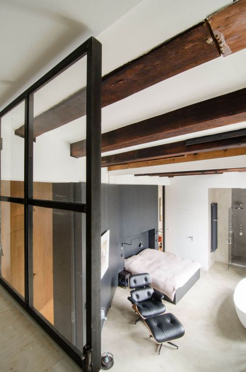 现代风黑色钢铁制造卧室装修效果图