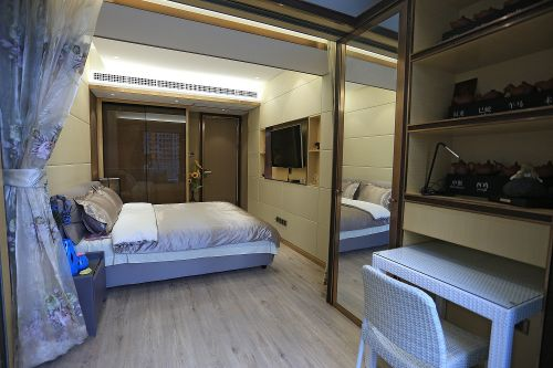 奢华现代风格卧室隔断效果图大全