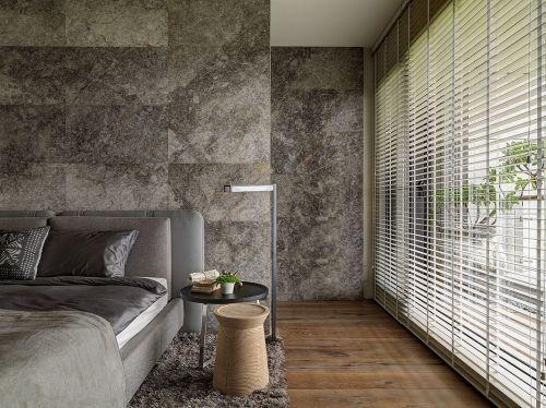 个性现代风格四居室卧室窗帘装修效果图