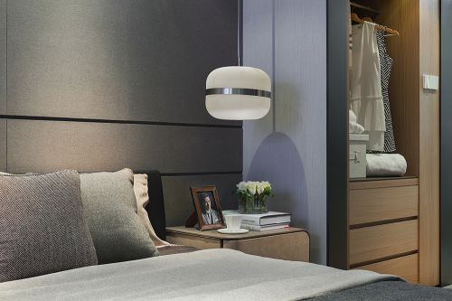 现代风格气质简约卧室装修实景图