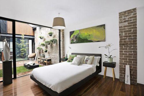 现代风格温馨自然卧室装修实景图