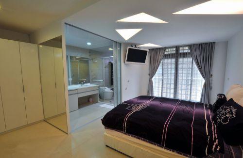 时尚现代风格三居室卧室隔断效果图