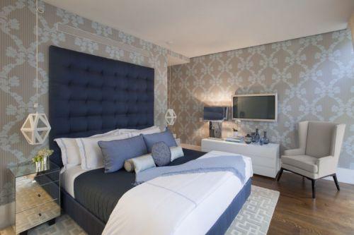 现代风格卧室三居室装修样板间