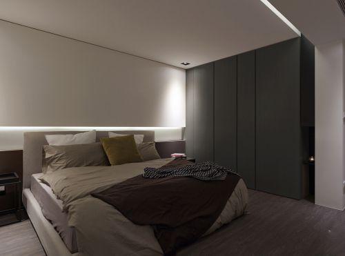 110平现代简约风三卧室灰色衣柜装修效果图
