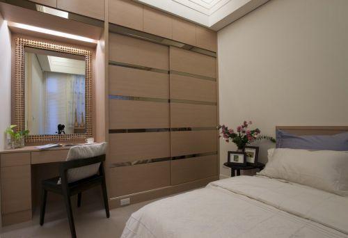 现代风三居室卧室灰色衣柜装修设计图