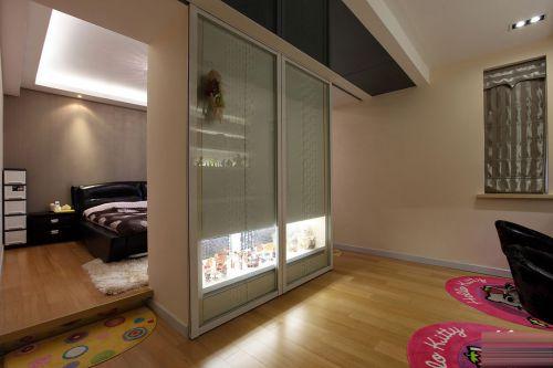 现代简约风卧室隔断式衣柜装修效果图