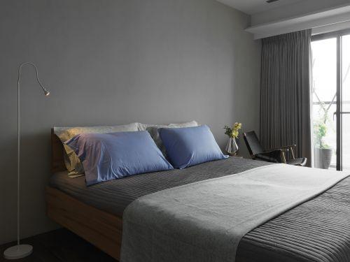 灰色现代风格卧室床铺装修设计