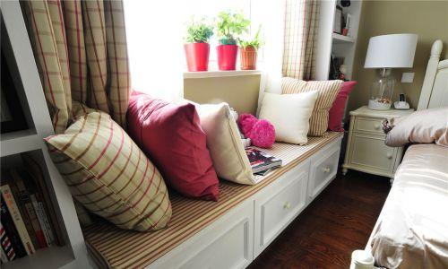 现代简约卧室飘窗设计图