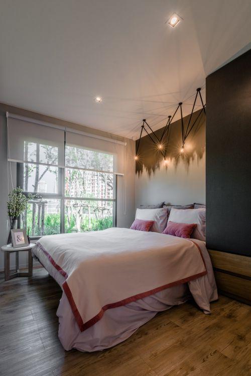 气质时尚现代风格温馨卧室装修实景图