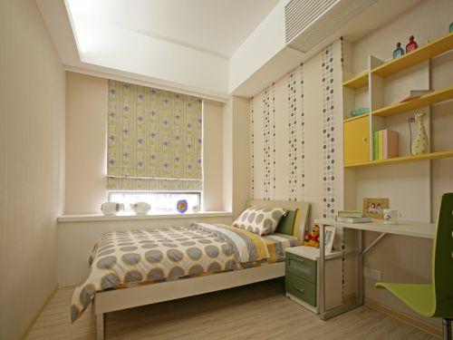 现代简约四居室卧室飘窗装修效果图
