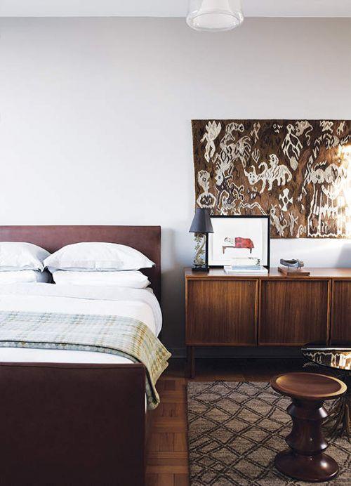 现代风格稳重雅致卧室储物柜效果图