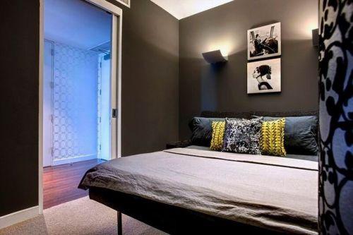 现代简约三居室卧室装修图片