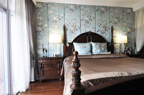 复古简欧风格别墅卧室背景墙装修案例