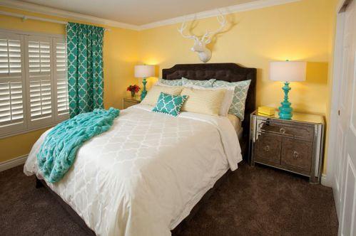 黄色简欧风卧室软床装修实景图