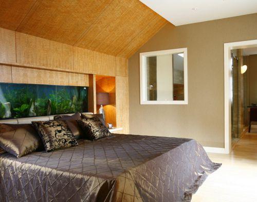 简欧风格原木色间卧室双人床设计
