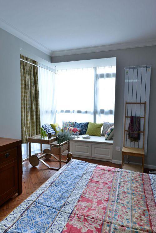 简欧风格二居室卧室飘窗装修效果图