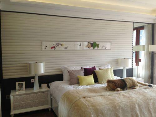 现代中式三居室卧室床装修图片