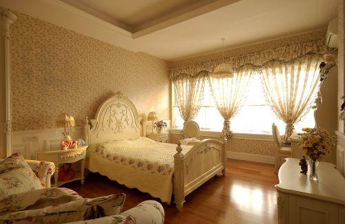 优雅精致欧式风格卧室床头背景墙实景图