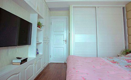 田园风格二居室卧室组合柜装修效果图