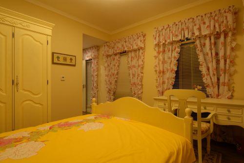 田园风格三居室卧室隔断装修效果图欣赏