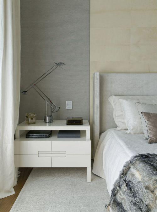 素雅田园风格卧室床头柜装修图片