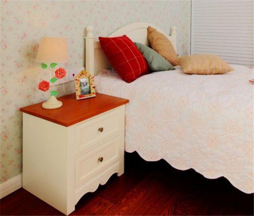 田园风格一居室卧室床装修图片